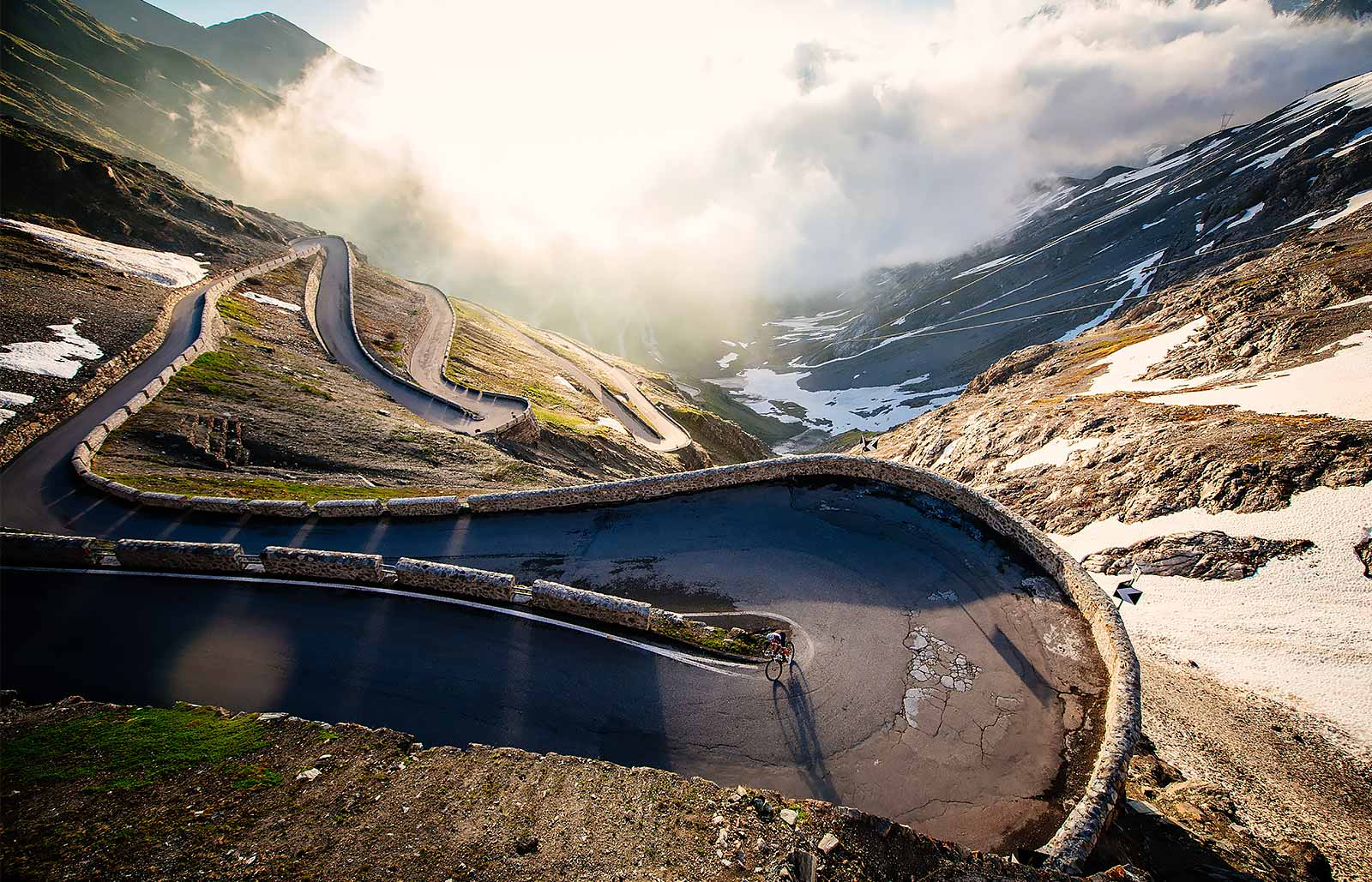 A sharp bend on the road that leads to passo dello Stelvio